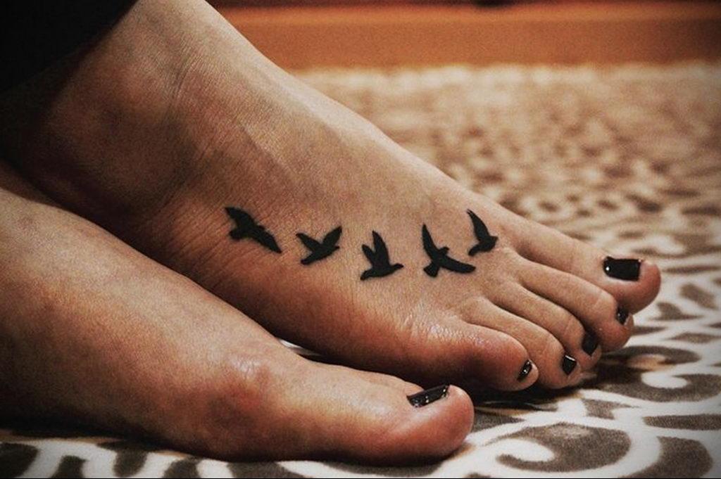 Фото тату про любовь рисунок Птица 03.02.2020 №050 -bird tattoo- tatufoto.com