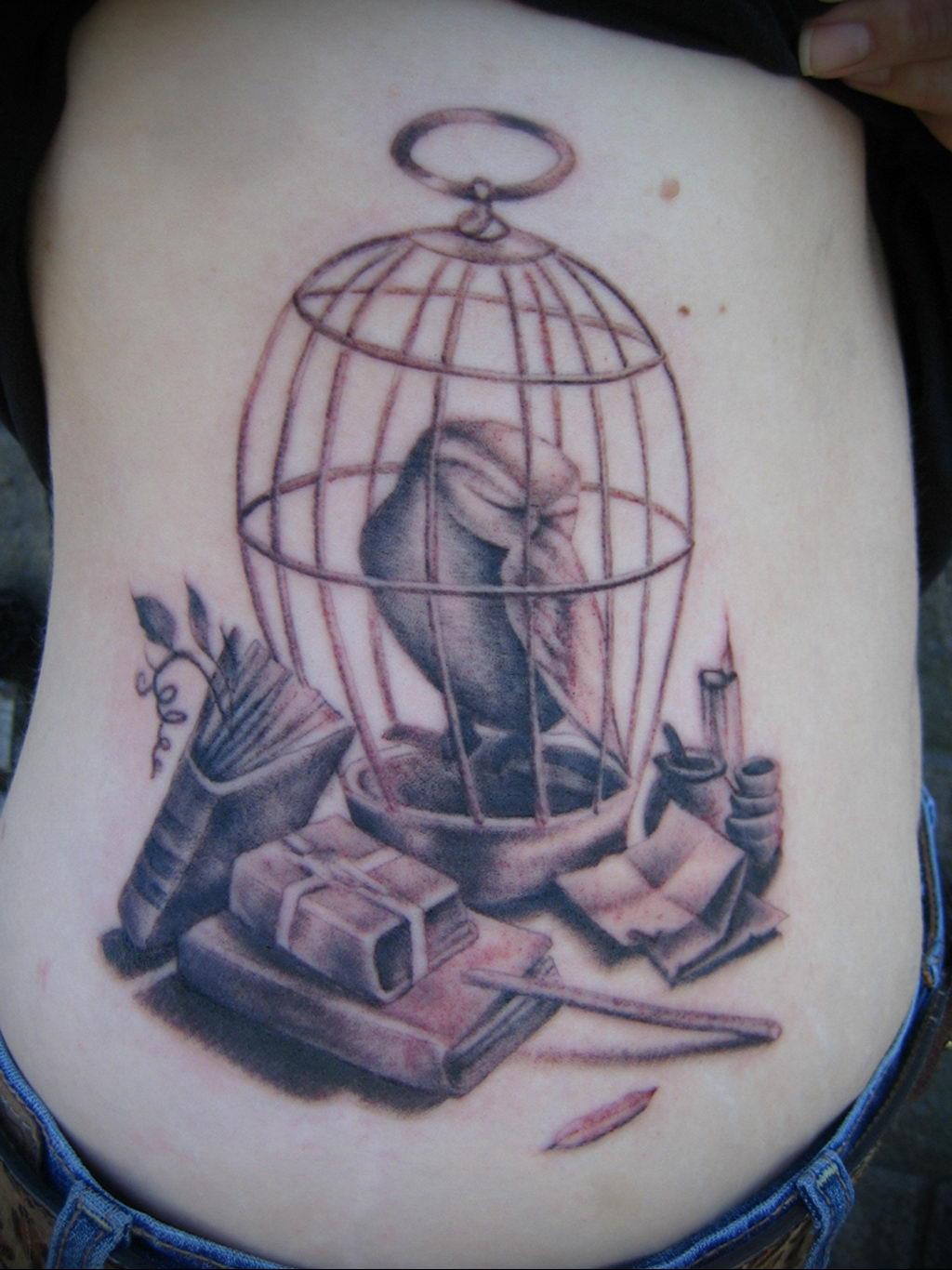 Фото тату про любовь рисунок Птица 03.02.2020 №114 -bird tattoo- tatufoto.com