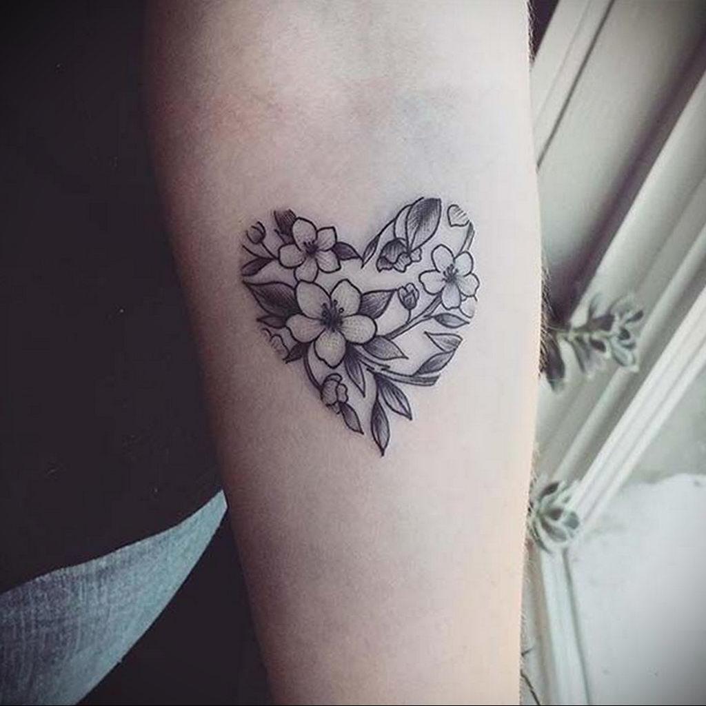 Фото тату про любовь рисунок Сердце 03.02.2020 №002 -heart tattoo- tatufoto.com
