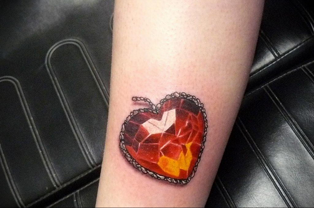 Фото тату про любовь рисунок Сердце 03.02.2020 №012 -heart tattoo- tatufoto.com