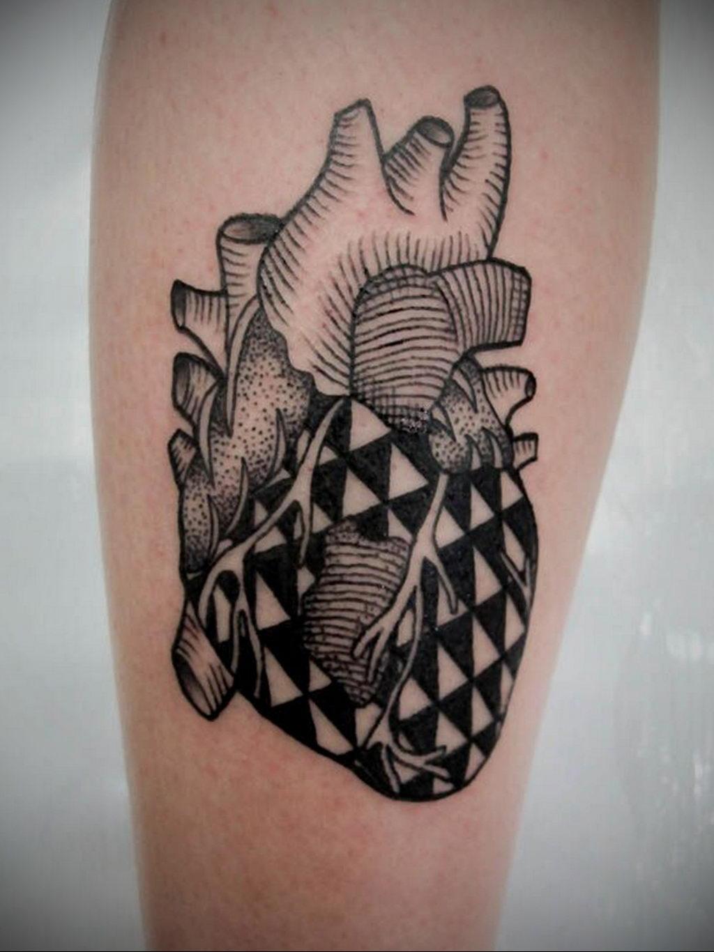 Фото тату про любовь рисунок Сердце 03.02.2020 №014 -heart tattoo- tatufoto.com