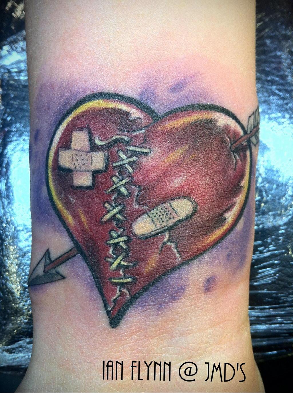 Фото тату про любовь рисунок Сердце 03.02.2020 №016 -heart tattoo- tatufoto.com