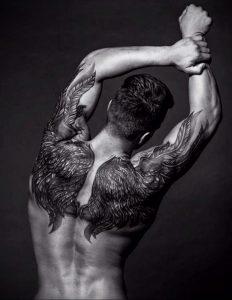 Фото тату с ангелом на спине 12.03.2020 №017 -angel tattoo on the back- tatufoto.com