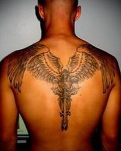 Фото тату с ангелом на спине 12.03.2020 №045 -angel tattoo on the back- tatufoto.com