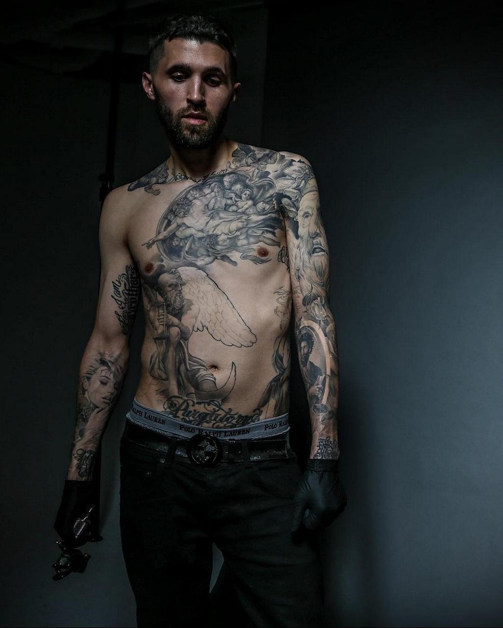 Эрик Марцинизин и его черно-серые татуировки, которые принесли ему славу