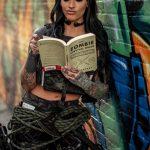 @cahri_taro - Красивая девушка с татуировками на карантине во время эпидемии COVID-19 для tatufoto.com 1