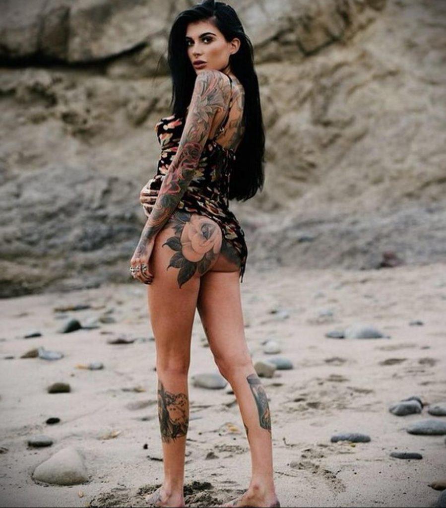 @chelseagabriellee - Красивая девушка с татуировками на карантине во время эпидемии COVID-19 для tatufoto.com 2