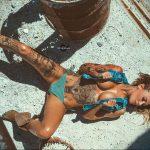 @ericliyahkane - Красивая девушка с татуировками на карантине во время эпидемии COVID-19 для tatufoto.com 1