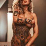 @ericliyahkane - Красивая девушка с татуировками на карантине во время эпидемии COVID-19 для tatufoto.com 10