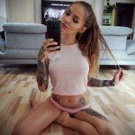 @jackie_blabla - Красивая девушка с татуировками на карантине во время эпидемии COVID-19 для tatufoto.com 4