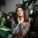 @jessicawilde - Красивая девушка с татуировками на карантине во время эпидемии COVID-19 для tatufoto.com 4