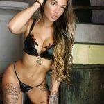 @nuria.mh - Красивая девушка с татуировками на карантине во время эпидемии COVID-19 для tatufoto.com 9