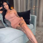 @valerie.c_ - Красивая девушка с татуировками на карантине во время эпидемии COVID-19 для tatufoto.com 6
