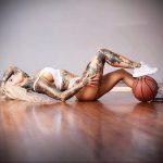 @venus_starr - Красивая девушка с татуировками на карантине во время эпидемии COVID-19 для tatufoto.com 12