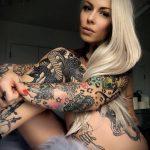 @venus_starr - Красивая девушка с татуировками на карантине во время эпидемии COVID-19 для tatufoto.com 16