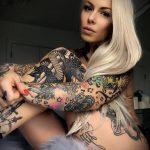 @venus_starr - Красивая девушка с татуировками на карантине во время эпидемии COVID-19 для tatufoto.com 17