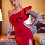 @zhara - Красивая девушка с татуировками на карантине во время эпидемии COVID-19 для tatufoto.com 3