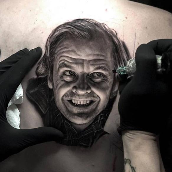 Как ухаживать за свежей татуировкой - фото пример 2