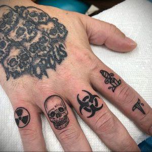 Фото Тату со знаком радиации 26.04.2020 №001 -Radiation Tattoo- tatufoto.com