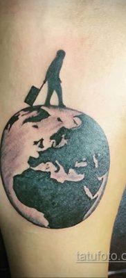 Фото татуировки з планетой Земля 22.04.2020 №089 -planet earth tattoo- tatufoto.com