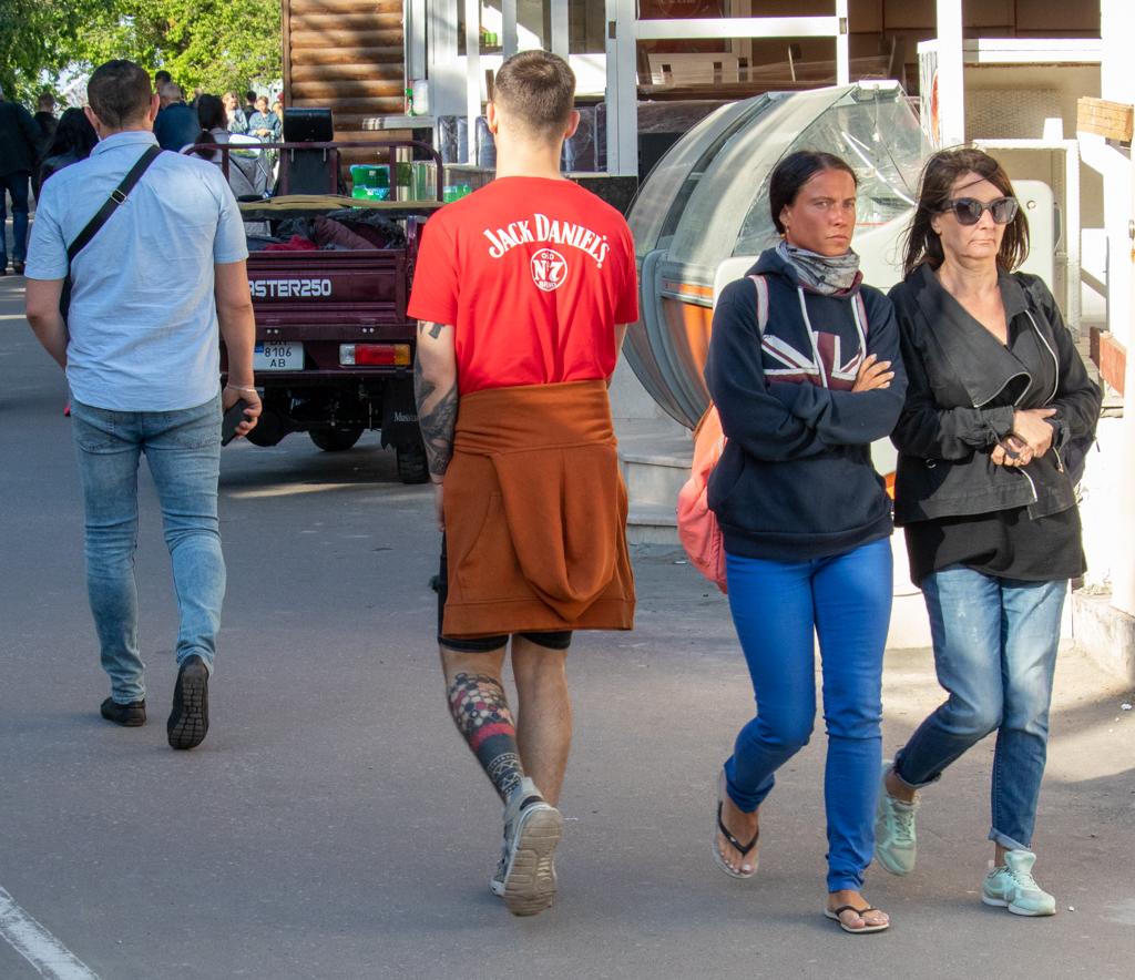 Татуировка с сотами внизу правой ноги парня - Уличная татуировка (Street tattoo) № 03 – 11.05.2020 для tatufoto.com 6
