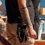 Тату с черепахой и узорами маори на запястье правой руки парня – 09.05.2020 - Уличная татуировка (Street tattoo) – tatufoto.com 4