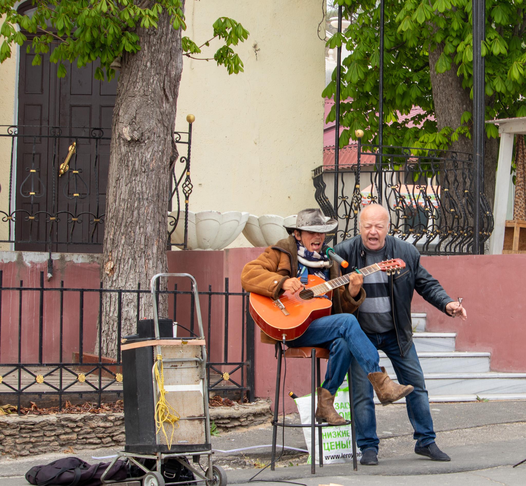 Фото выпивших уличных музыкантов – Уличная татуировка (Street tattoo) 05052020 – tatufoto.com 1