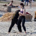 Фото парня и девушки которые борются в песке на пляже – 09.05.2020 - Уличная татуировка (Street tattoo) – tatufoto.com 1