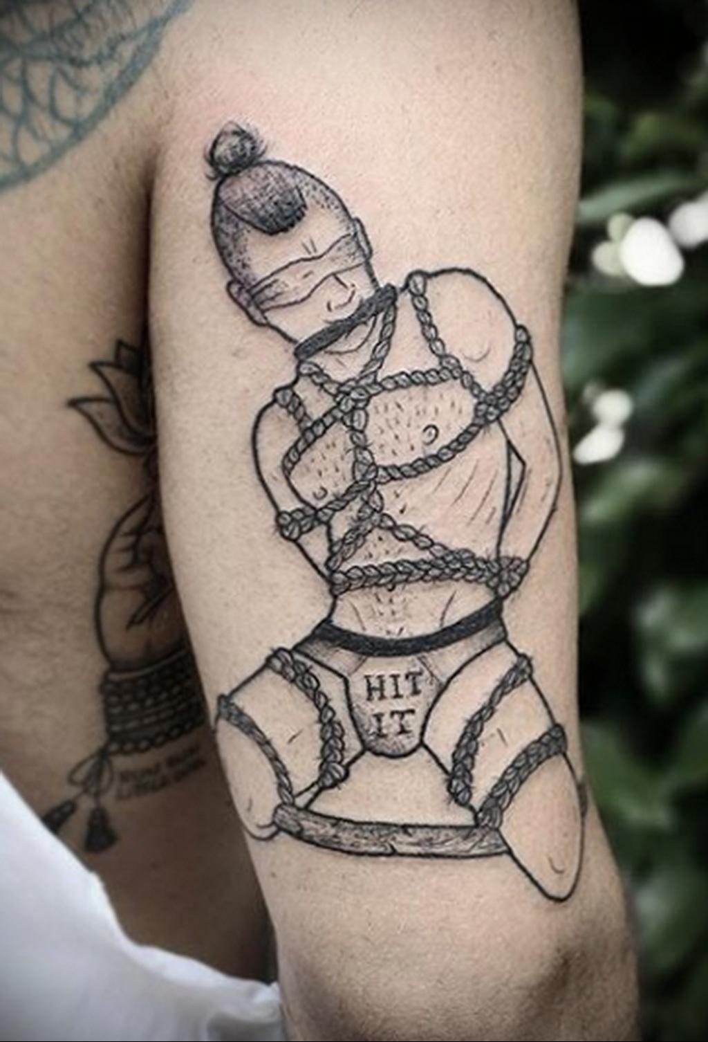 Фото татуировки для гомосексуалистов 16.05.2020 №036 -tattoos for gay- tatufoto.com