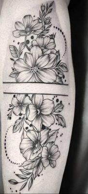 Фото татуировки на тему весны 01.05.2020 №063 -spring tattoo- tatufoto.com