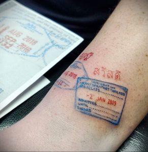Фото татуировки с почтовой маркой 01.05.2020 №013 -postage stamp tattoo- tatufoto.com