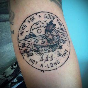 Фото татуировки с почтовой маркой 01.05.2020 №015 -postage stamp tattoo- tatufoto.com