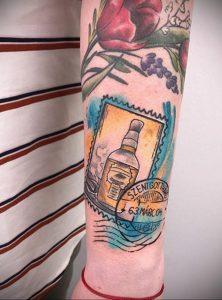 Фото татуировки с почтовой маркой 01.05.2020 №040 -postage stamp tattoo- tatufoto.com