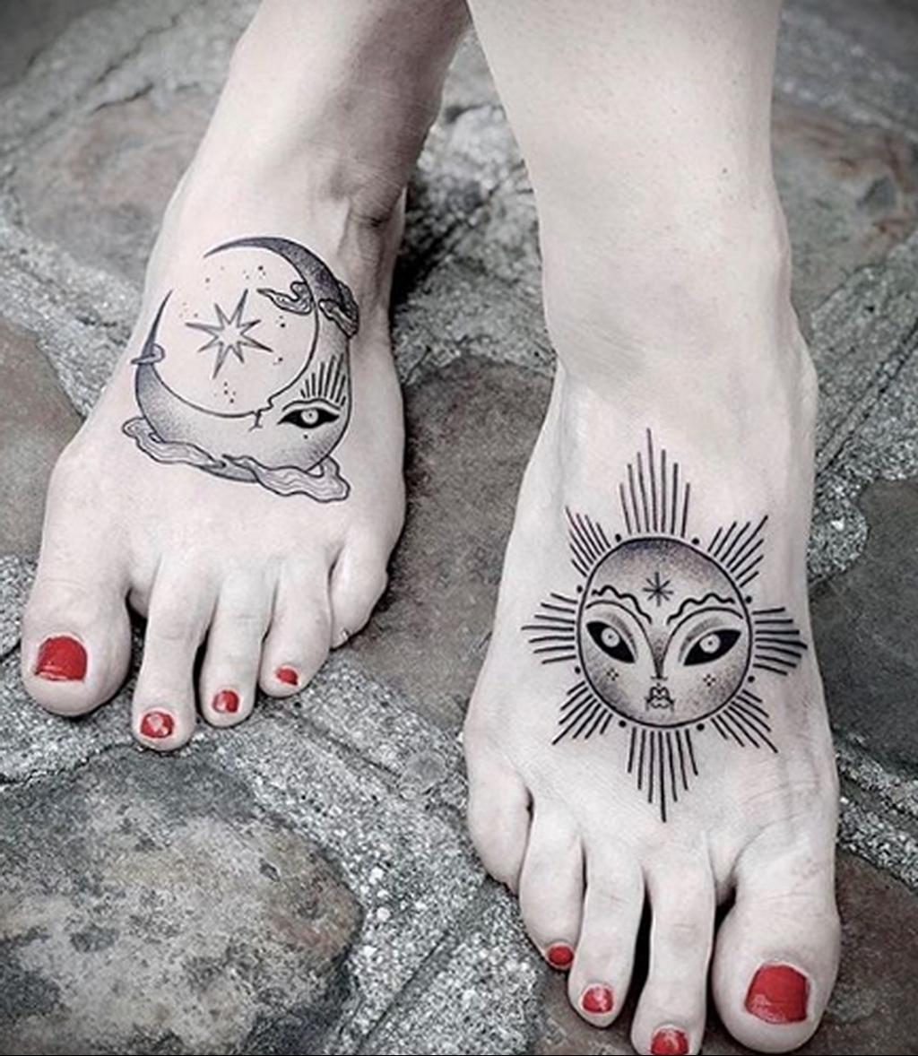 Фото татуировки с солнцем 02.05.2020 №008 -sun tattoo- tatufoto.com