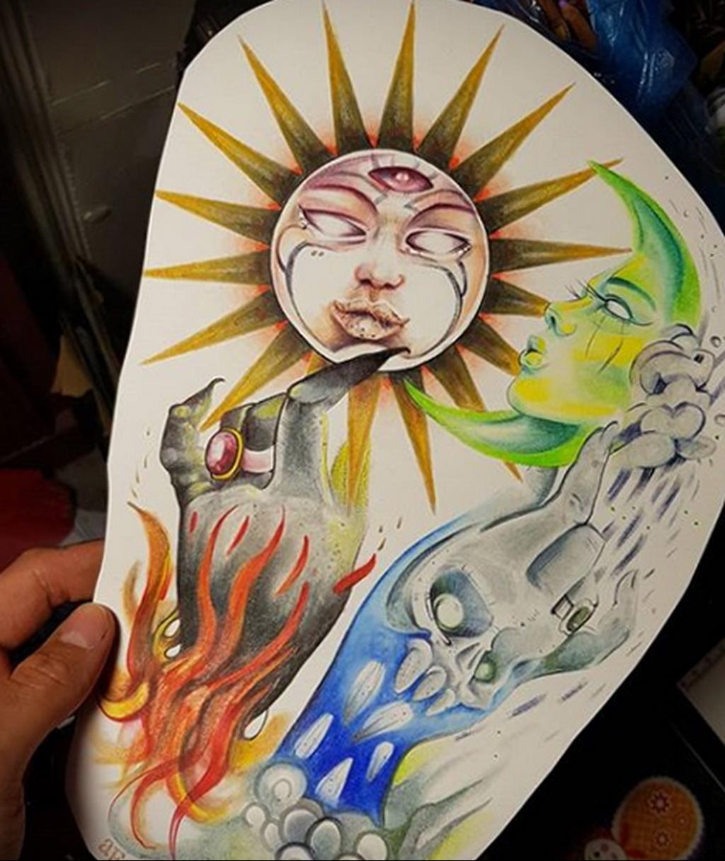 Фото татуировки с солнцем 02.05.2020 №013 -sun tattoo- tatufoto.com