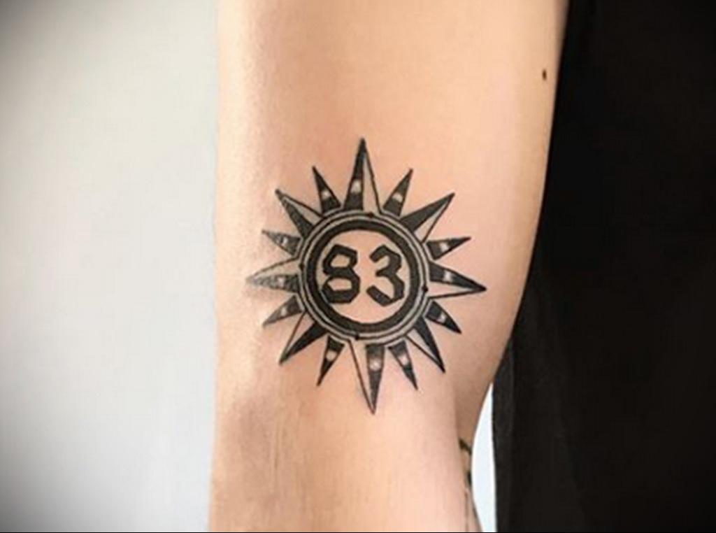 Фото татуировки с солнцем 02.05.2020 №025 -sun tattoo- tatufoto.com