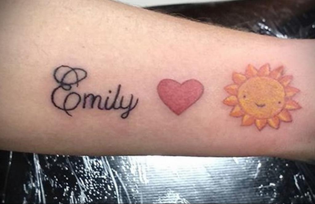 Фото татуировки с солнцем 02.05.2020 №038 -sun tattoo- tatufoto.com
