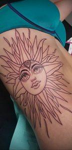 Фото татуировки с солнцем 02.05.2020 №142 -sun tattoo- tatufoto.com