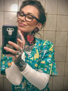 @carolinefullcolour – медработник с татуировкой – фото для tatufoto.com 26