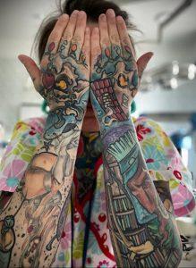 @carolinefullcolour – медработник с татуировкой – фото для tatufoto.com 3