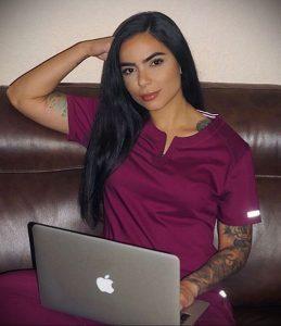 @crysmarie._ – медработник с татуировкой – фото для tatufoto.com 14