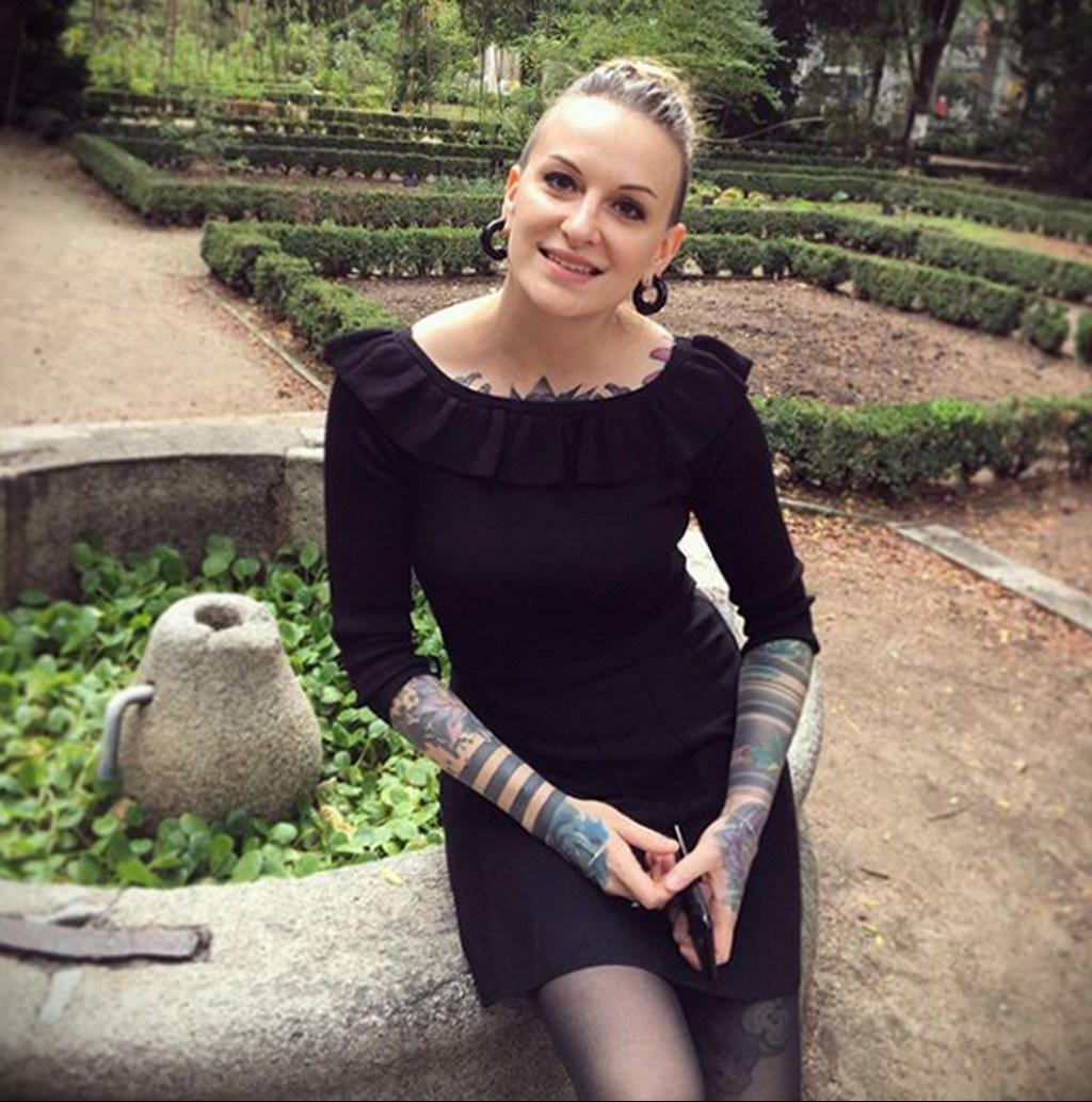 @lareine_margot – медработник с татуировкой – фото для tatufoto.com 5