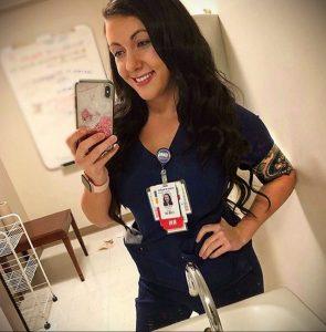 @shanneliz – медработник с татуировкой – фото для tatufoto.com 4