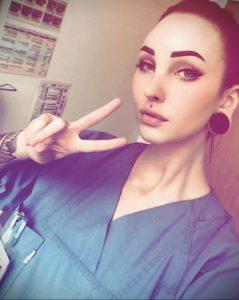 @stormbehindtheveil – медработник с татуировкой – фото для tatufoto.com 3