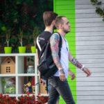 Парень на улице с красивыми тату на руках - Уличная татуировка (street tattoo) № 06 – 18.06.2020 – tatufoto.com 5