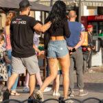 Тату подвязка под попой девушки – Уличная татуировка (Street tattoo) № 05 – 15.06.2020 для tatufoto.com 3