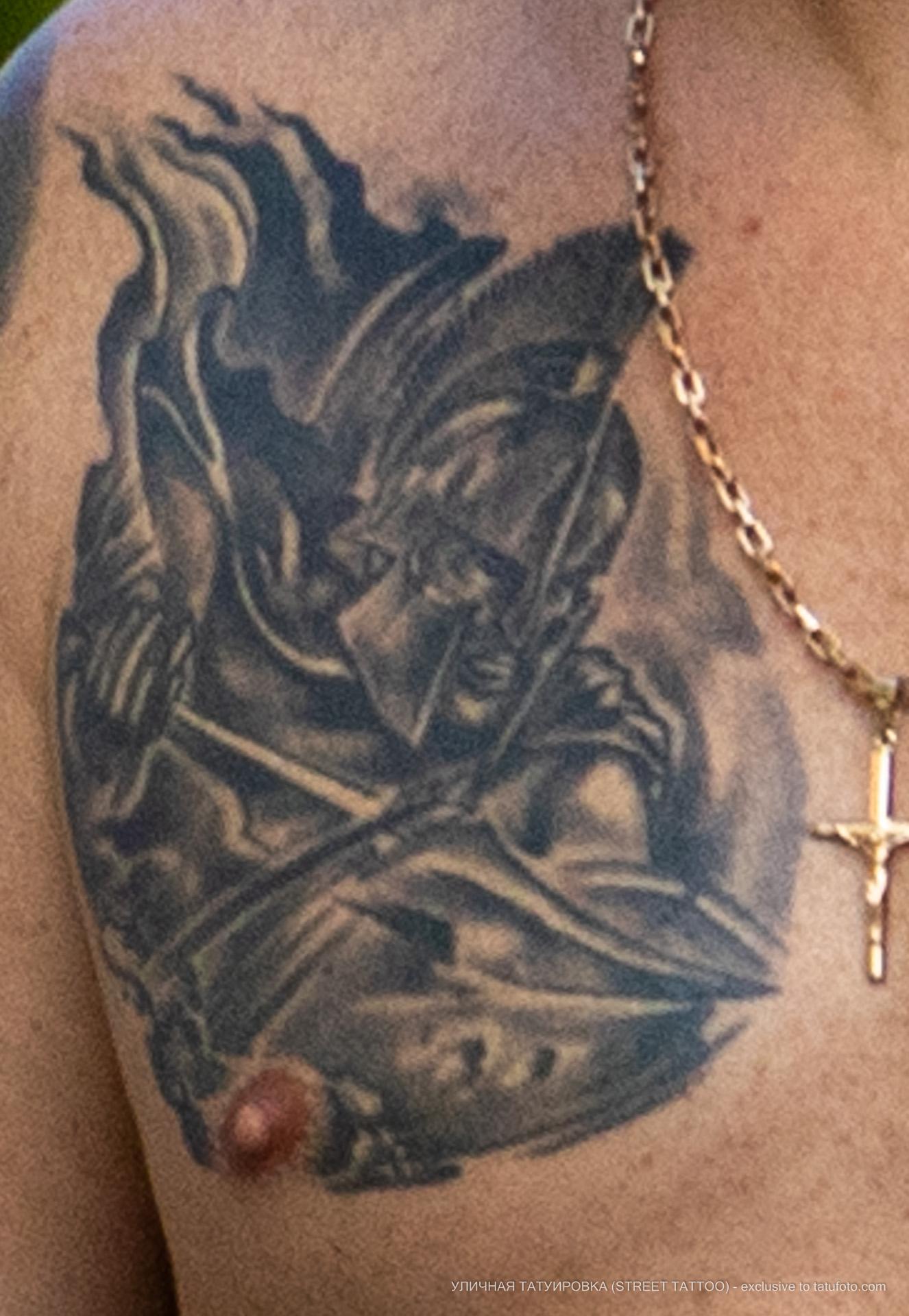 Тату с воином спарты на груди мужчины - Уличная татуировка (street tattoo) № 06 – 18.06.2020 – tatufoto.com 1