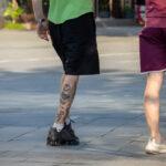 Тату с глазом внутри сердца на ноге у парня – Уличная татуировка (street tattoo) № 06 – 18.06.2020 – tatufoto.com 1