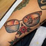 Тату с солнцезащитными очками 30.06.2020 №001 -Sunglasses tattoo- tatufoto.com