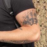 Тату четыре туза и три семерки на руке парня – Уличная татуировка (Street tattoo) № 05 – 15.06.2020 для tatufoto.com 3
